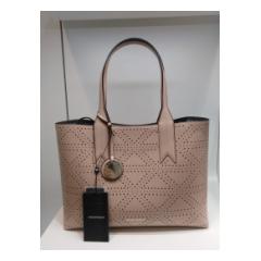 Shopping Armani rosa